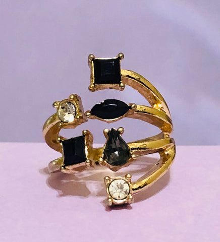 Gold-Black Gemstone Fashion Ring
