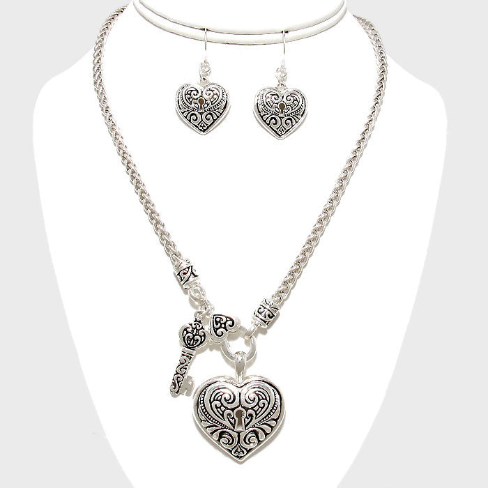 Filigree Heart Key Necklace Set
