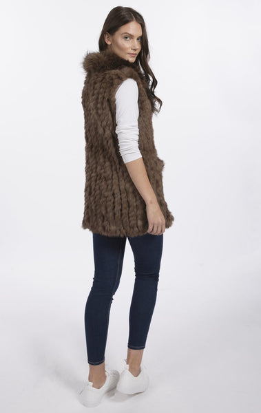 Jayley Fox Fur Gilet with Luxurious Collar - Tan