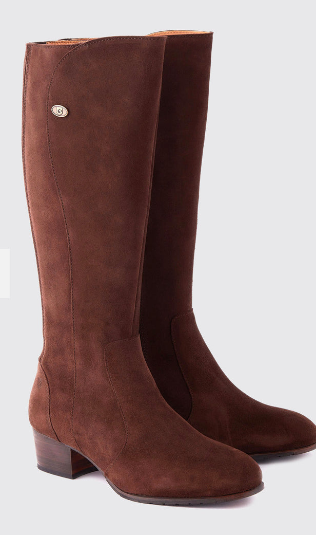 Downpatrick Knee High Boots In Cigar
