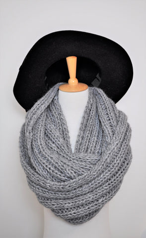 Alpaca blend infinity scarf , Grey knitted infinity scarf