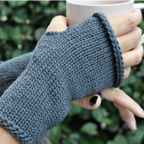 Finger less mitts grey