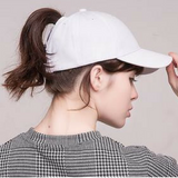 Messy baseball cap white
