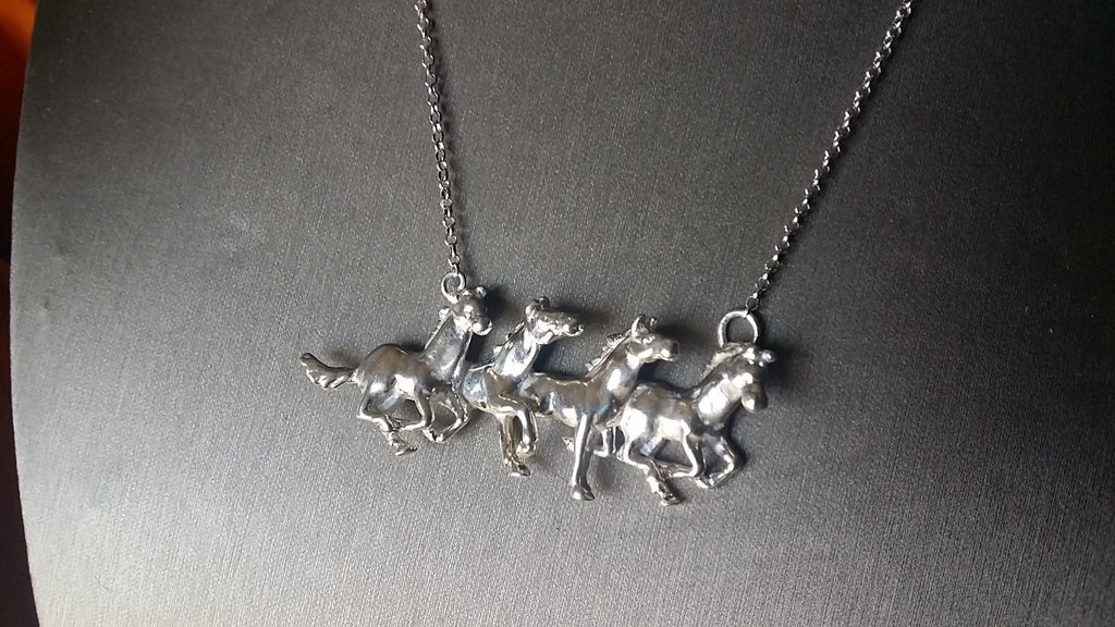 Galloping 4horses necklace - Necklace - GoldSnaffle