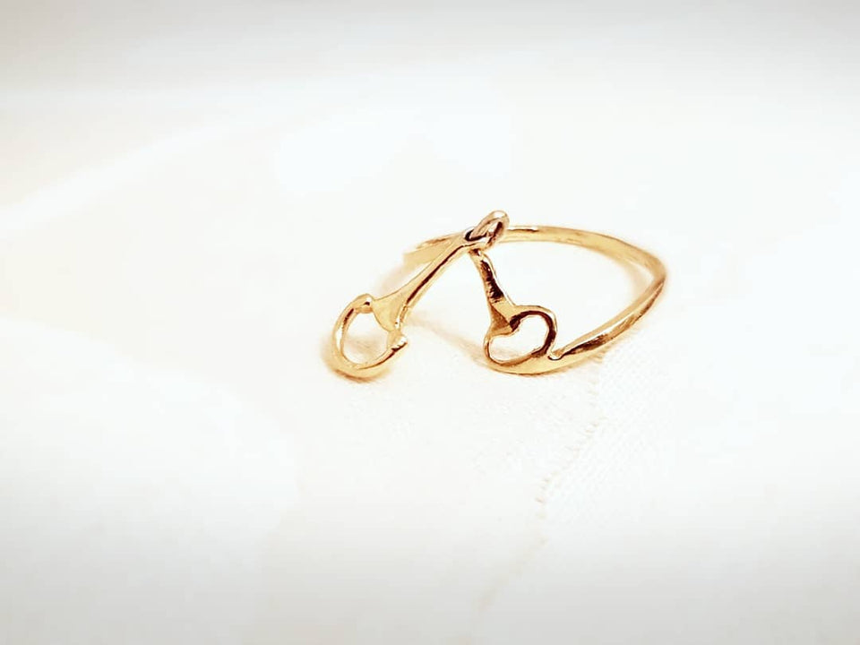 Beautiful 9ct yellow gold snaffle charm ring - Ring - GoldSnaffle