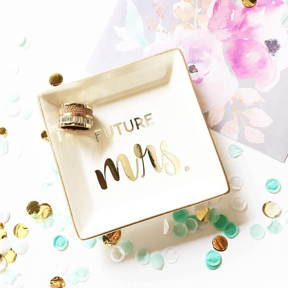 Bride Savvy LLC -Your Bride Box Novelty Ring Holder