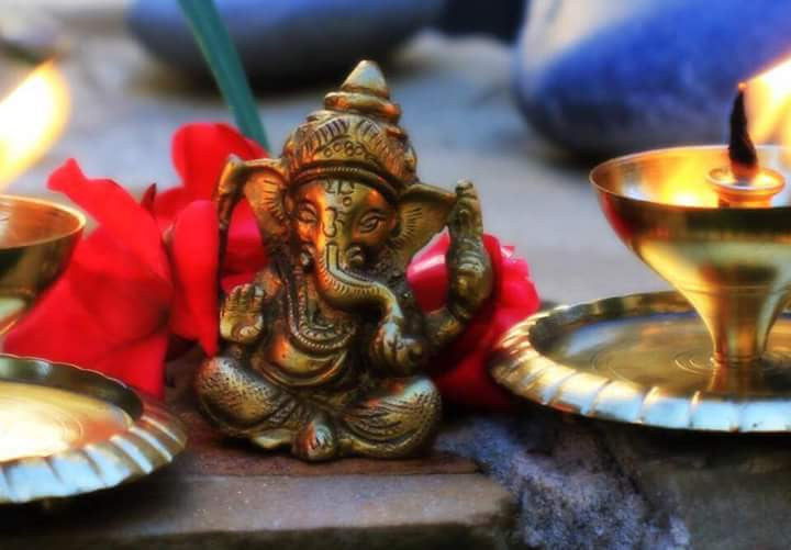 Shri Ganesha Mantra with meaning - Shree Vakratunda Mahakaya