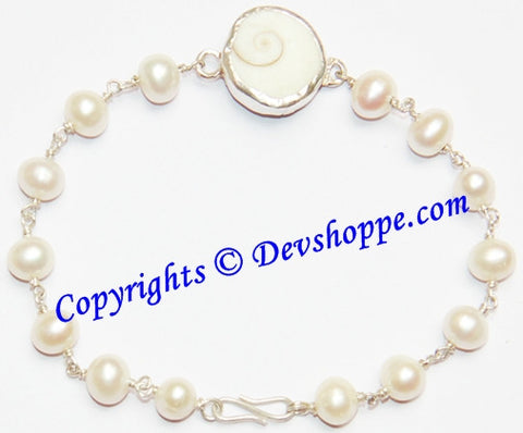 Gomti Chakra bracelet with Pearl beads in pure silver