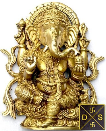 Beautiful Lord Ganesha Idol in brass - Devshoppe