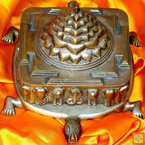 Ashtadhatu Kurm Meru Shri Yantra - The Meru yantra on Tortoise back for Courage and Prosperity - Devshoppe