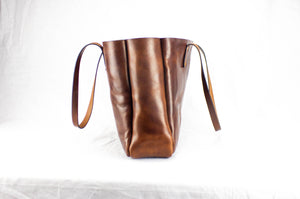 Side View Atlantic Leather Tote Bag: Black Bear