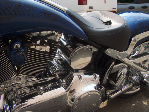 Custom round oil tank for Harley-Davidson Rocker