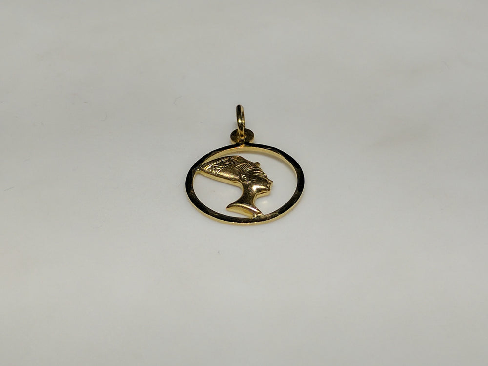 Framed Nefertiti Medallion Pendant 14K