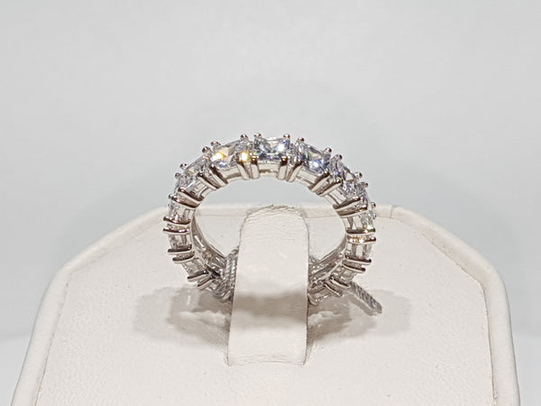 Princess Cut Eternity Band - Lucky Diamond 恆福 珠寶 金 行 New York City 169 Canal Street 10013 Zlatarnica Playboi Chinatown Charlie @luckydiamondny 2124311180