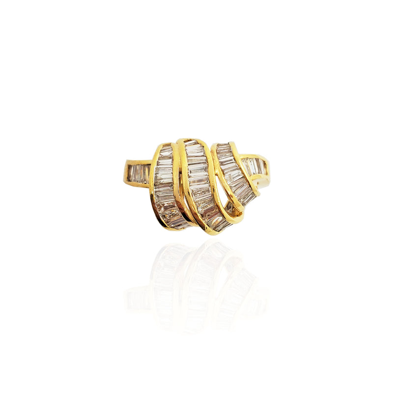 Curvy Baguette Diamond Cocktail Ring 18K