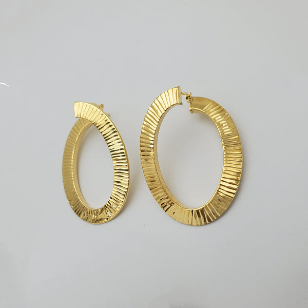 Diamond Cut Twist Hoop Earrings (14K)