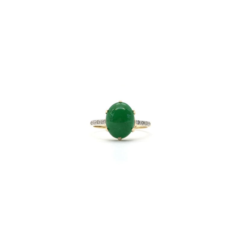 products/585_14_karat_Yellow_Gold_Green_Jade_Oval_Cabochon_Ring_front_angle_view_web_product_Popular_Jewelry_New_York.png