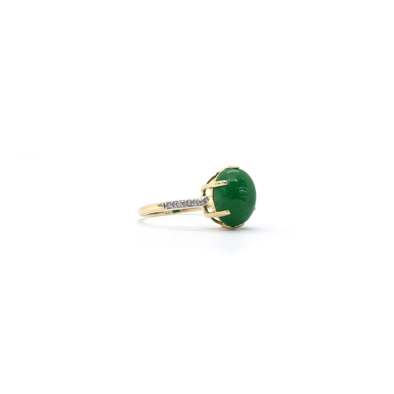 products/585_14_karat_Yellow_Gold_Green_Jade_Oval_Cabochon_Ring_side_2_angle_view_web_product_Popular_Jewelry_New_York.png