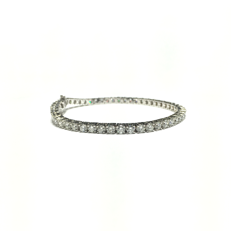 products/585_14_karat_white_gold_SI-1_Diamond_Tennis_Bracelet_Prong_setting_front_angle_view_web_product_Popular_Jewelry_2.png