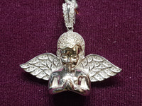 Pag-ampo sa Iced-Out Half Angel Pendant Silver White 34.5 mm - Popular Jewelry