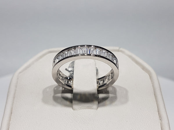 Baguette Eternity Band - Lucky Diamond 恆福 珠寶 金 行 New York City 169 Canal Street 10013 Zlatarnica Playboi Chinatown Charlie @luckydiamondny 2124311180