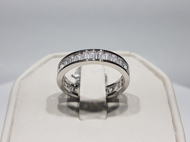 Baguette Eternity Band - Lucky Diamond 恆福珠寶金行 New York City 169 Canal Street 10013 Jewelry store Playboi Charlie Chinatown @luckydiamondny 2124311180