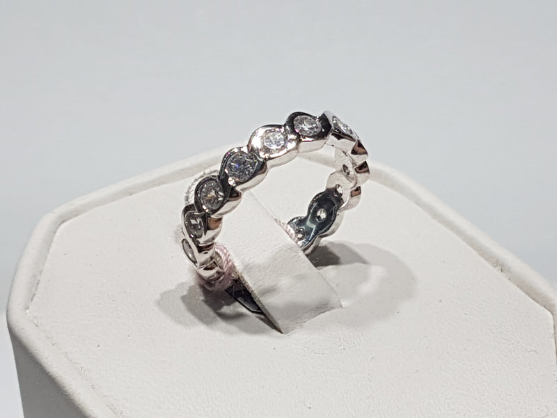 Round Channel Eternity Band - Lucky Diamond 恆福珠寶金行 New York City 169 Canal Street 10013 Jewelry store Playboi Charlie Chinatown @luckydiamondny 2124311180