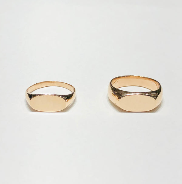 Oval Pinky Signet Ring (14K)