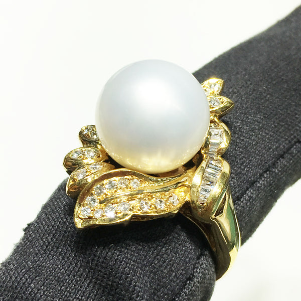 Pearl on Diamond Foliage Ring (18K)