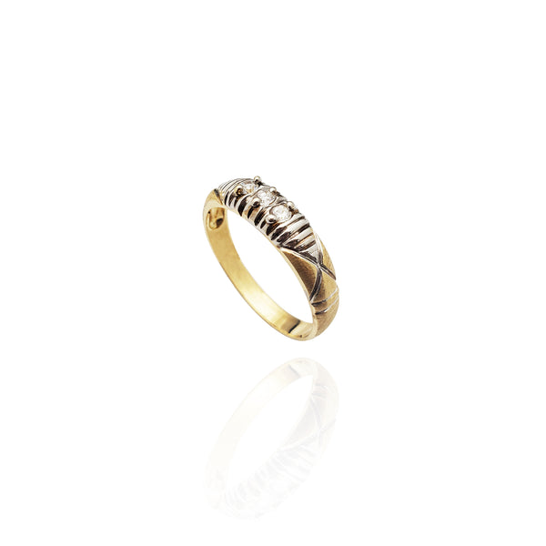 Two-Tone Pleated CZ Band (14K)