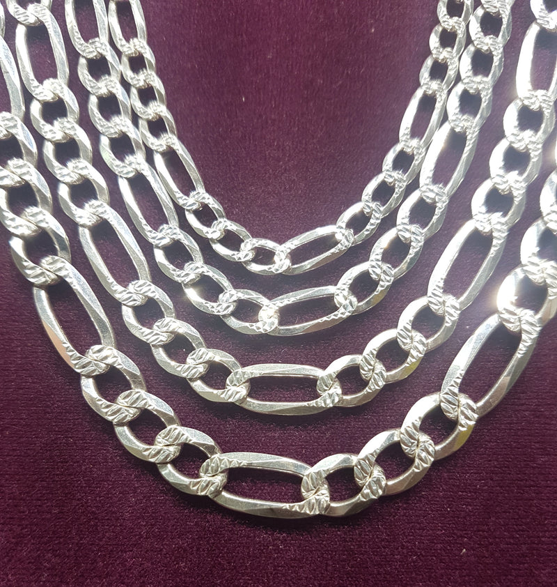 products/figaro_chain_sterling_silver_925_diamond_cut_closeup.jpg
