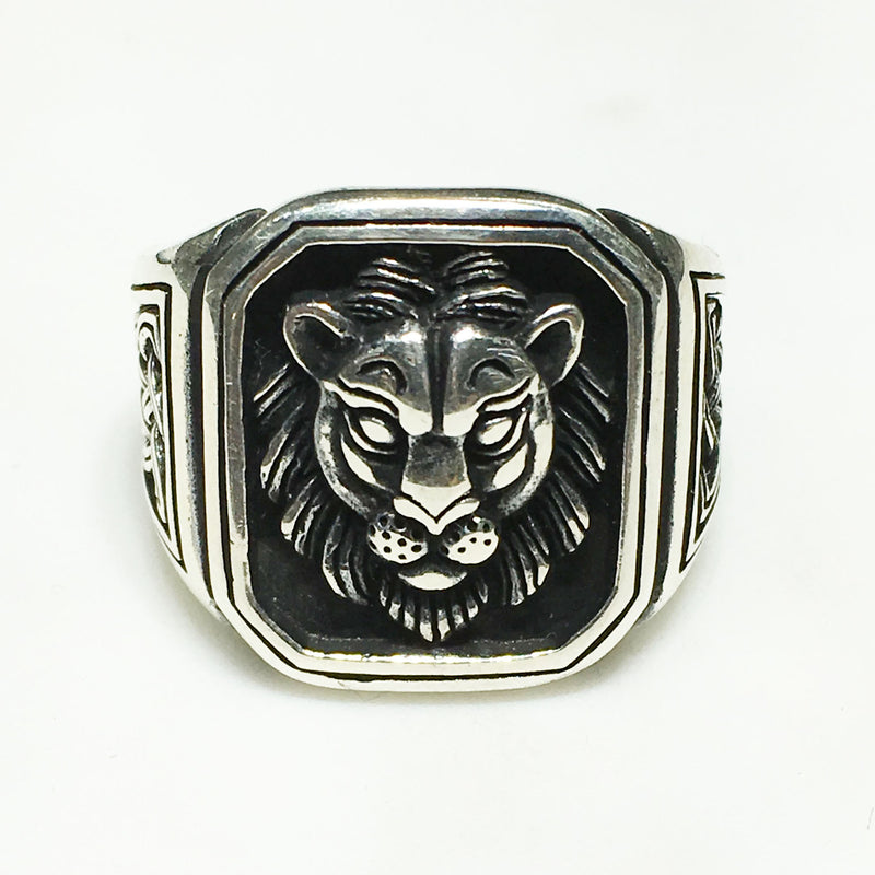 Antique-Finish Framed Lion Visage Ring (Silver) - Popular Jewelry
