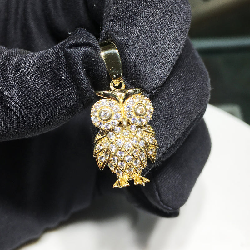 products/mini_owl_pendant_14_14k_karat_iced_out_cz_cubic_zirconia_black_glove_contrast.JPG