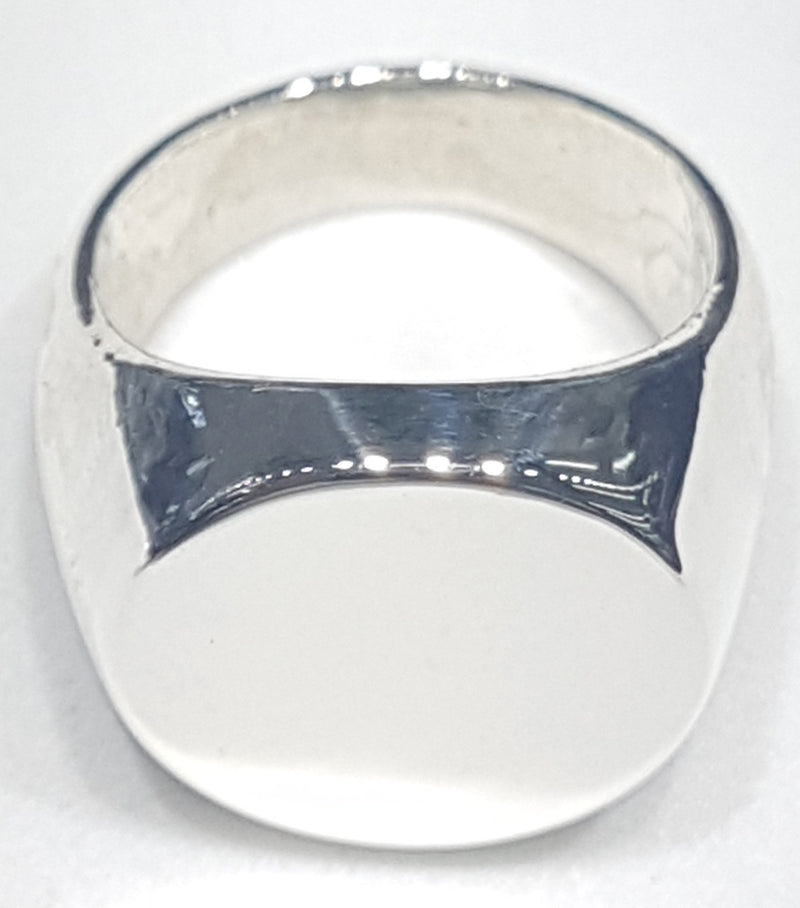 products/signet_ring_sterling_silver.jpg