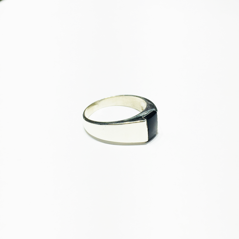 products/sterling_silver_925_rectangular_black_onyx_men_s_ring_right_angle_view_web_product_Popular_Jewelry_New_York_City.png