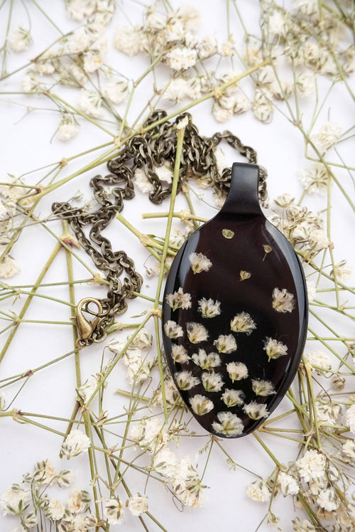 Baby's Breath On Black Spoon Necklace