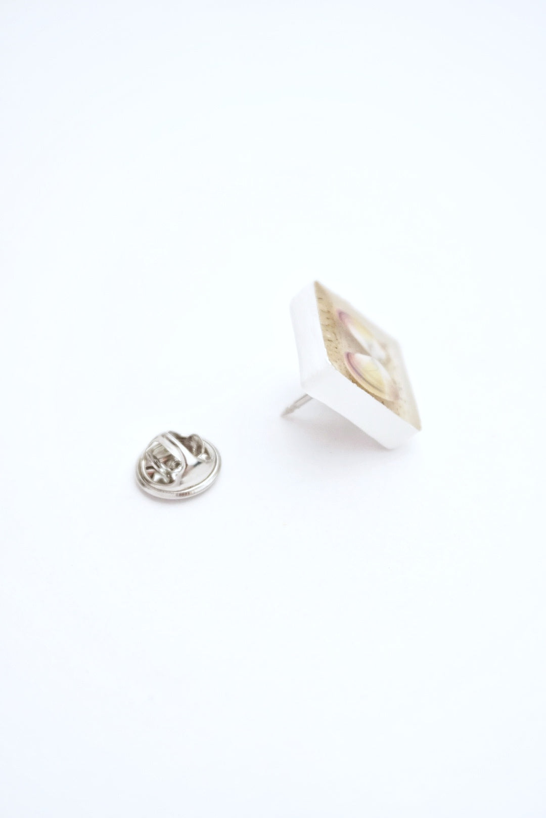 Coquina Shell Lapel Pin