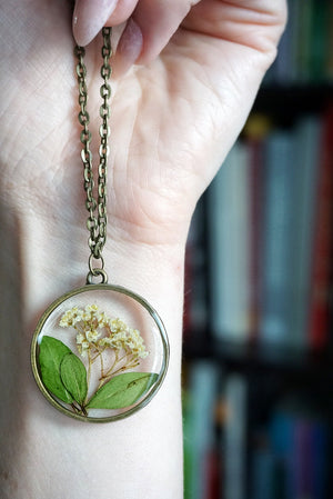 Whites & Greens Floral Bloom Necklace