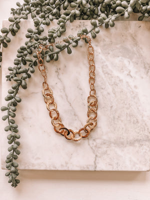 Flat Loop Necklace