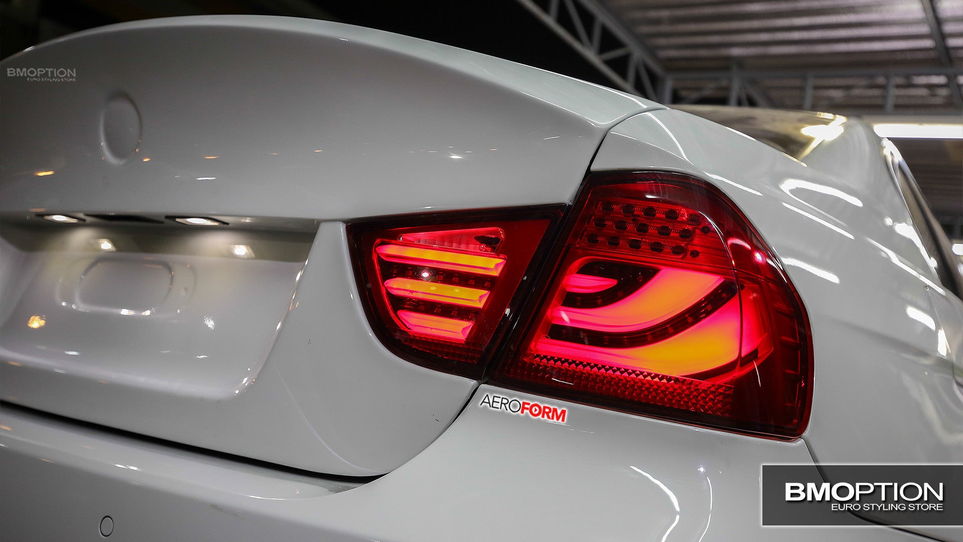 Bmw Series E Rear Bumper Sensor Type Oem furthermore Bmw E Series Eagle Eyes Red Smoke Lens Cgi Led Light Bar Tail L  Tl Bmw besides D What Do You Guy Think These Lci Tail Lights Img likewise Image as well D How Open Tailgate Window No Power Rear Window Lock E. on 2009 bmw e60 tail lights