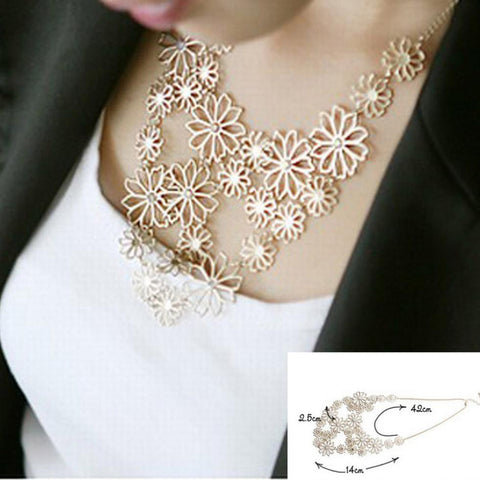 Pendants Rhinestone gold hollow flowers necklace jewelry statement