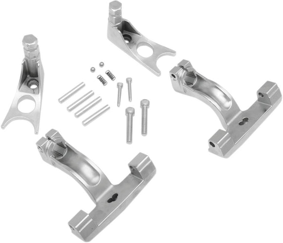 Drag Specialties Passenger Floorboard Mount Kit Chrome Softail 00-17 - Part #16210512 - Hogparts UK
