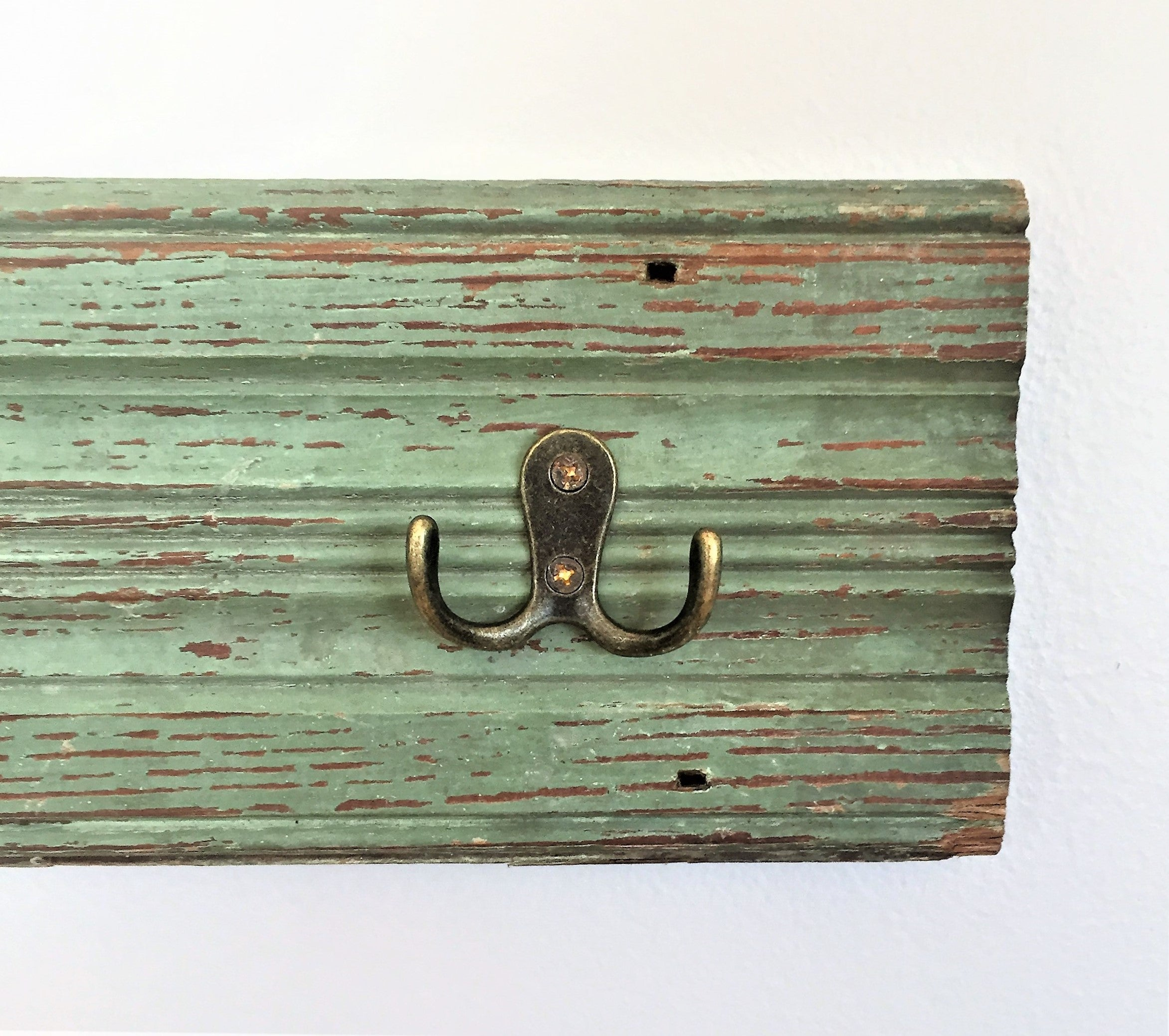 Vintage Trim Hook Rack