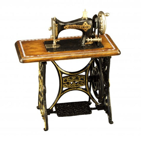 Reutter Sewing Machine with Table