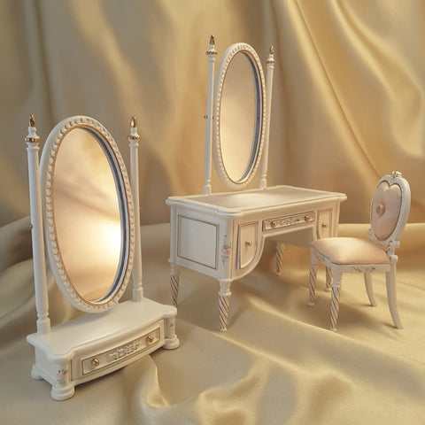 Madeline's Bedroom Vanity Set