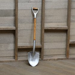 Short Round Shovel