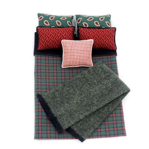 Double Bed Comforter and Pillow Set, Red and Green