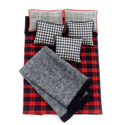 Double Bed Comforter and Pillow Set, Red and Black Plaid