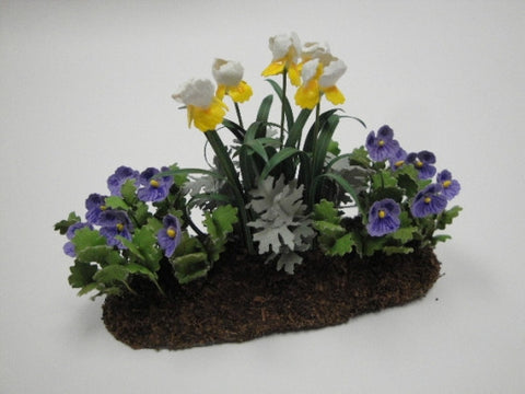 Garden Bed, Daffodils and Pansies