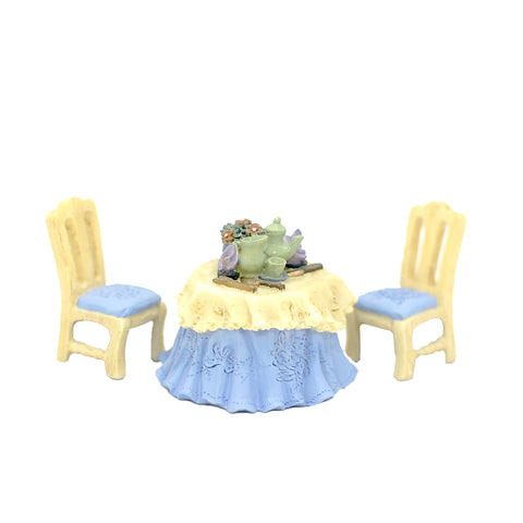 Half Inch Scale Resin Table and Chairs